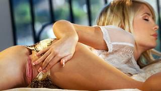 Mujeres desnudas de alta resolución.