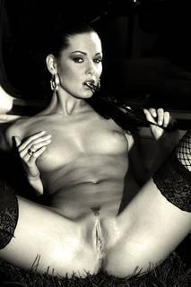 Yetenekli kız siyah beyaz resimler